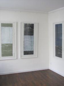 """Abb. links: """"Zarte Schönheit"""", rechts """"Ruhe"""", H 138 x B 70 cm"""